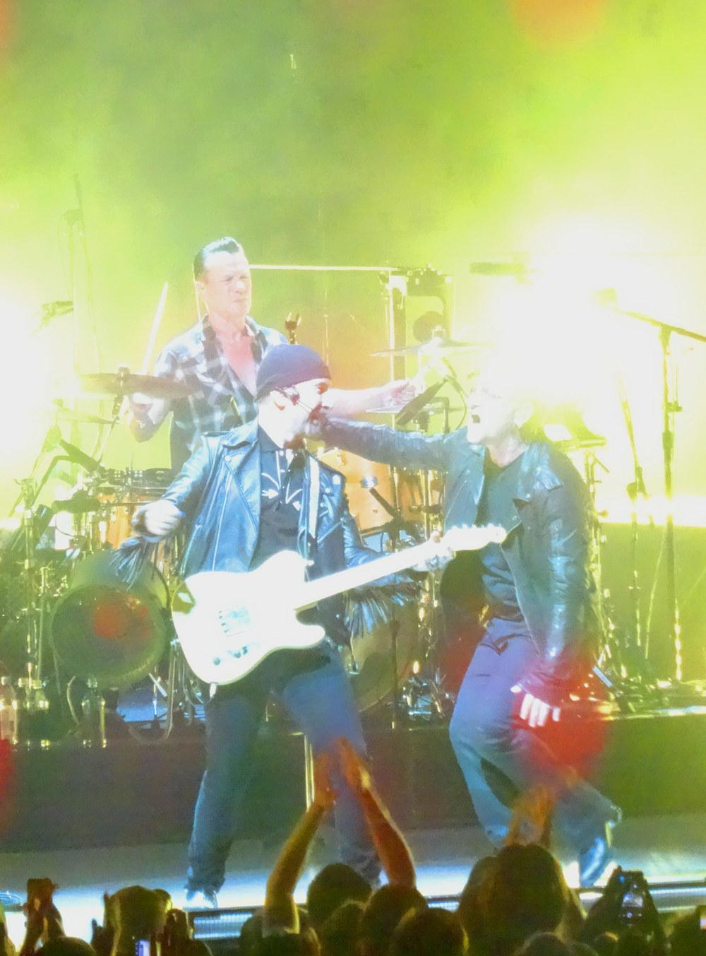 U2-3-16.jpg
