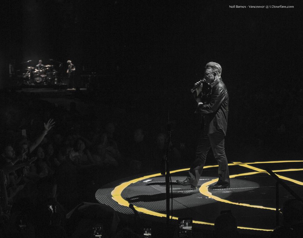 U2_Vancouver_Bono BW1.jpg
