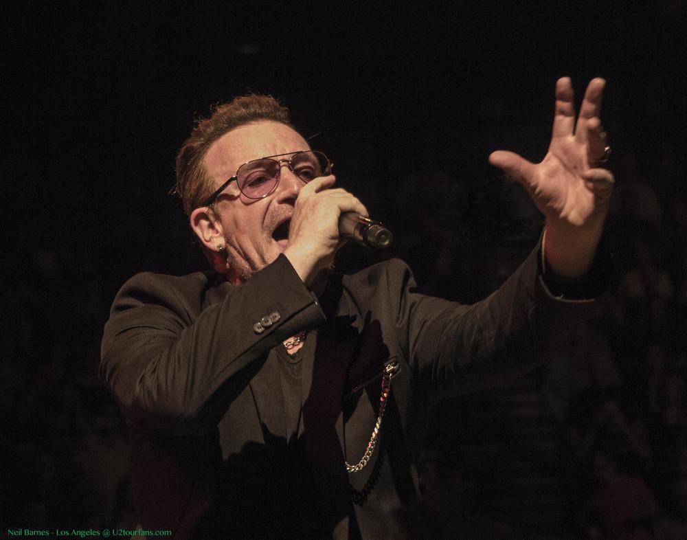 U2 LA 5-31-15_2355_Bono5.jpg
