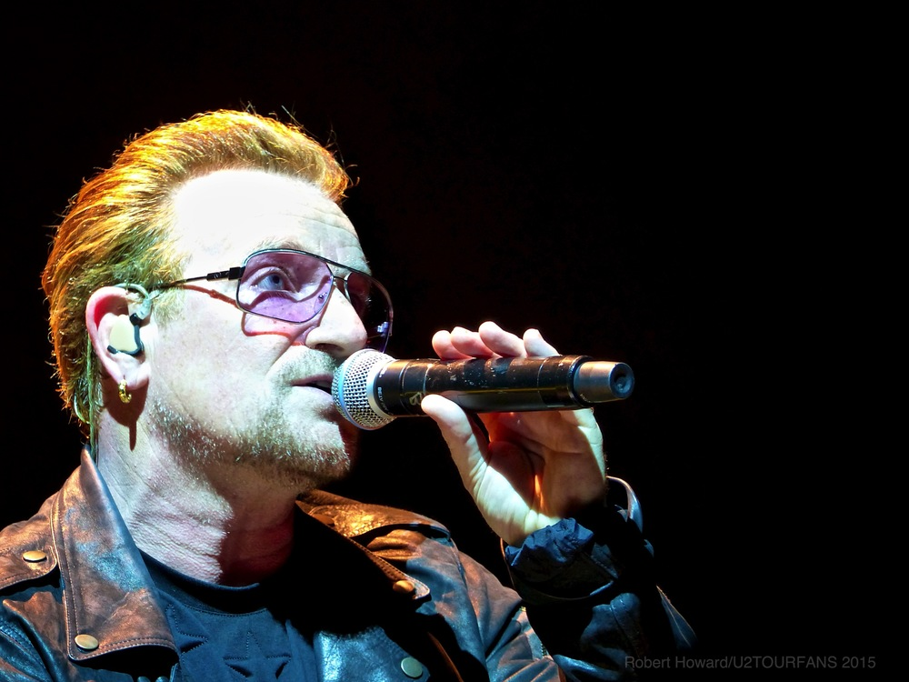 U2@ACC_RobertH_01U2TOURFANS.jpg
