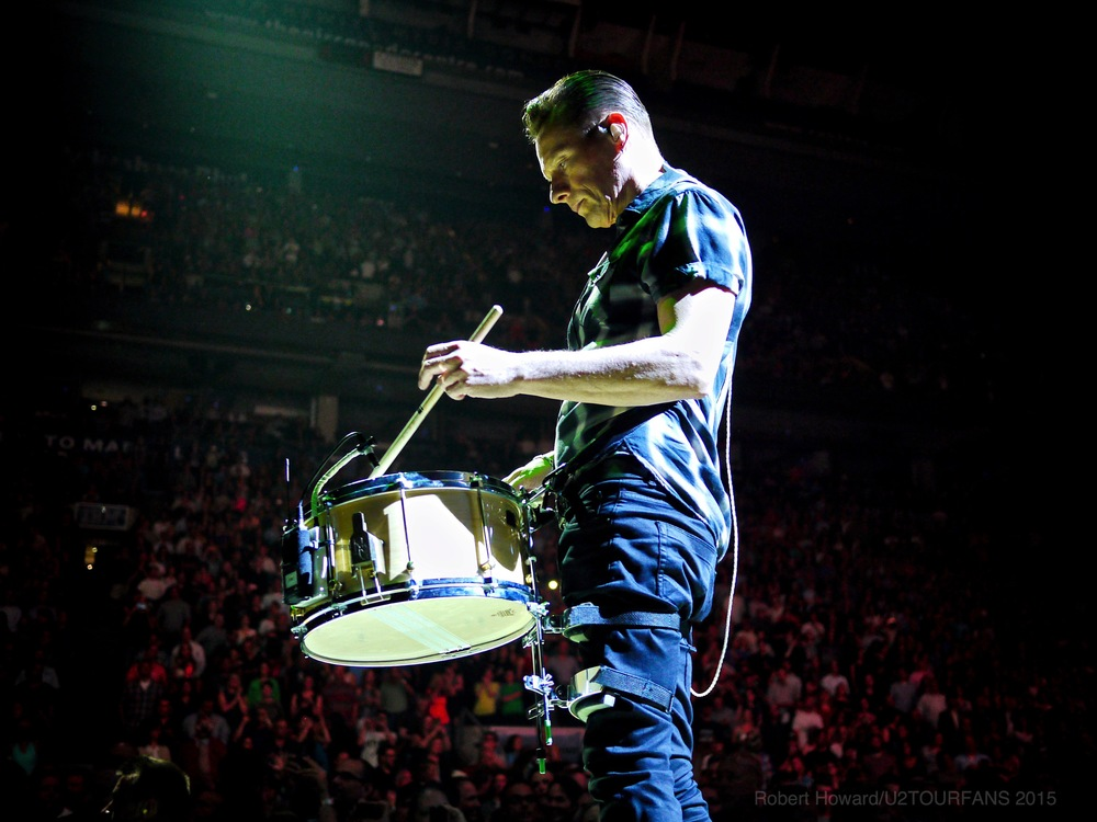 U2@ACC_RobertH_02U2TOURFANS.jpg