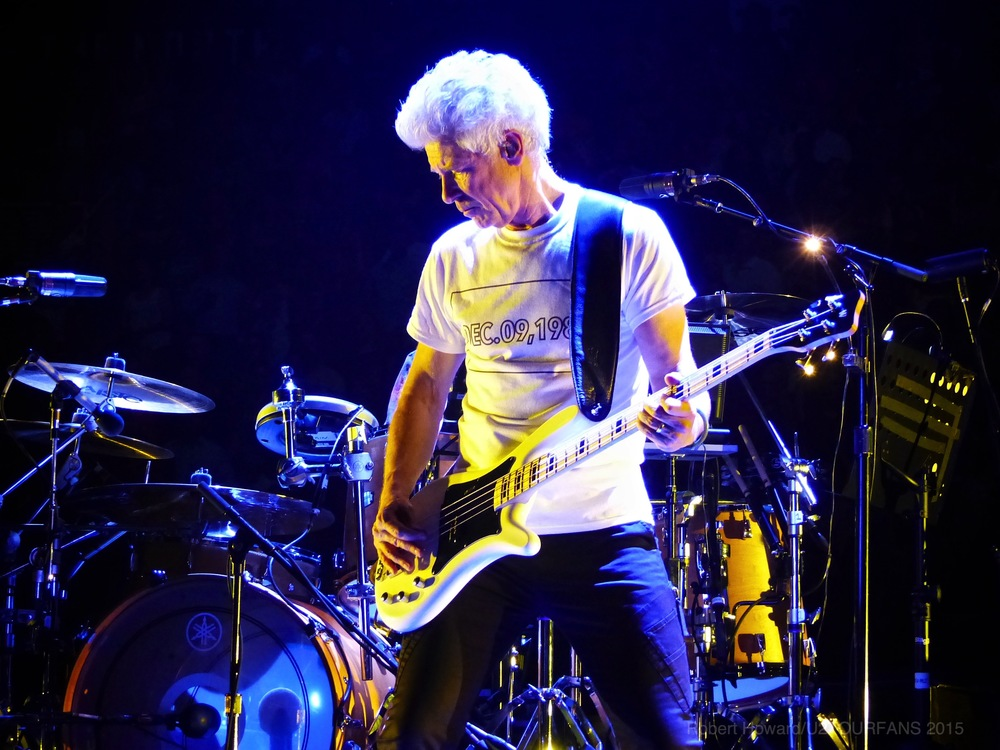 U2@ACC_RobertH_03U2TOURFANS.jpg