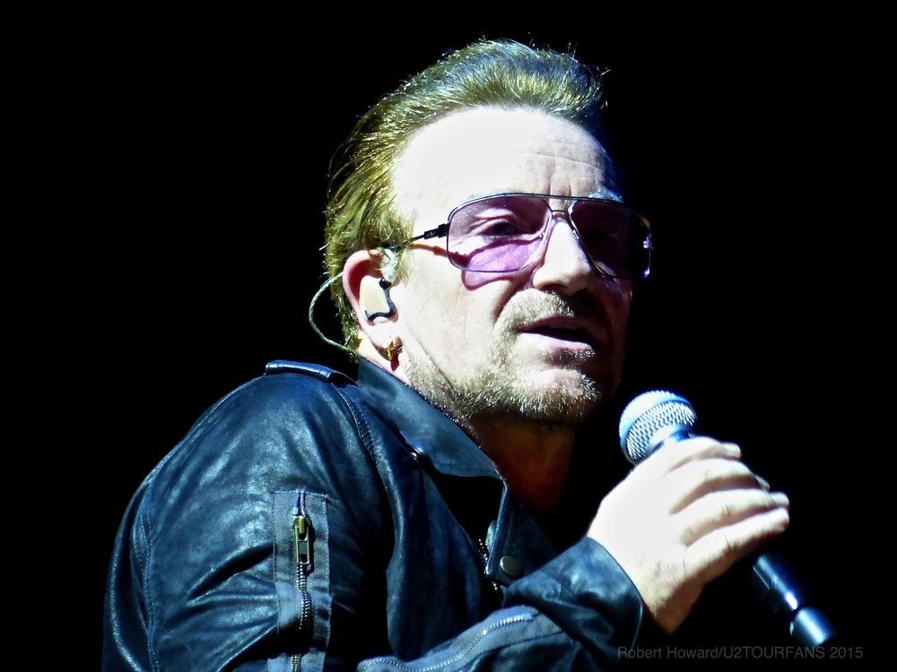 U2@ACC_RobertH_05U2TOURFANS.jpg