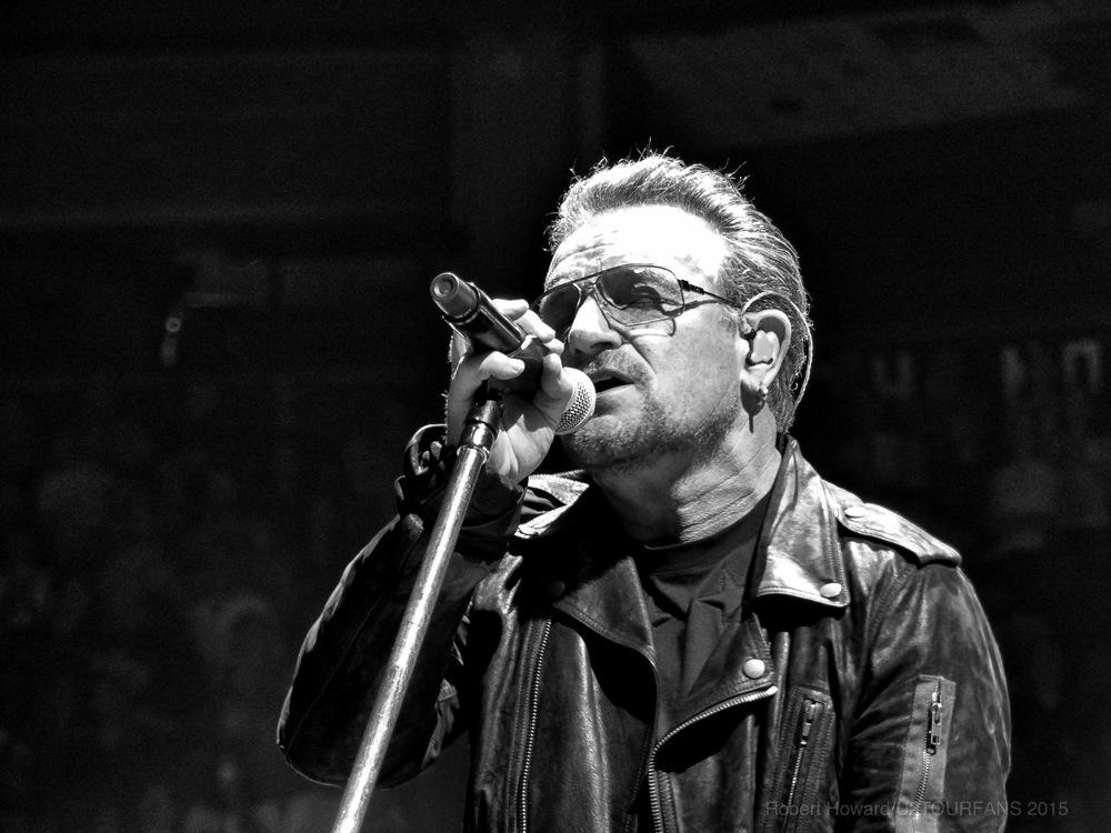 U2@ACC_RobertH_08U2TOURFANS.jpg