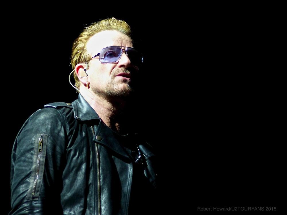 U2@ACC_RobertH_12U2TOURFANS.jpg
