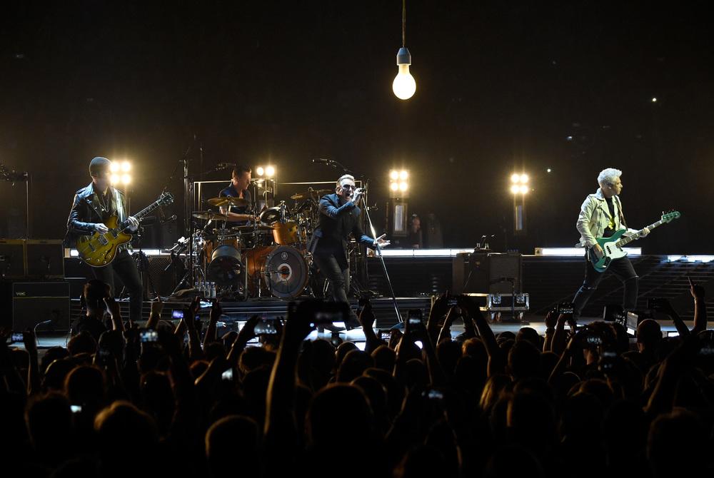 U2 / Kevin Mazur / U2TOURFANS