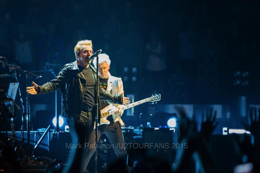 U2 NYC Show 2-2U2TOURFANSW.jpg