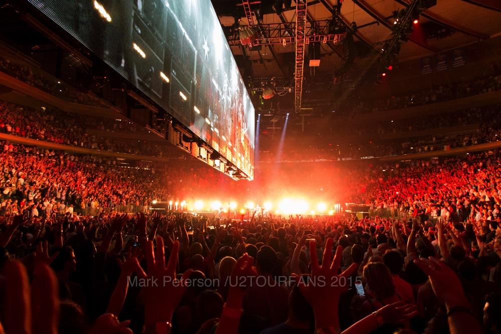 U2 NYC Show 1 StreetsU2TOURFANSW.jpg