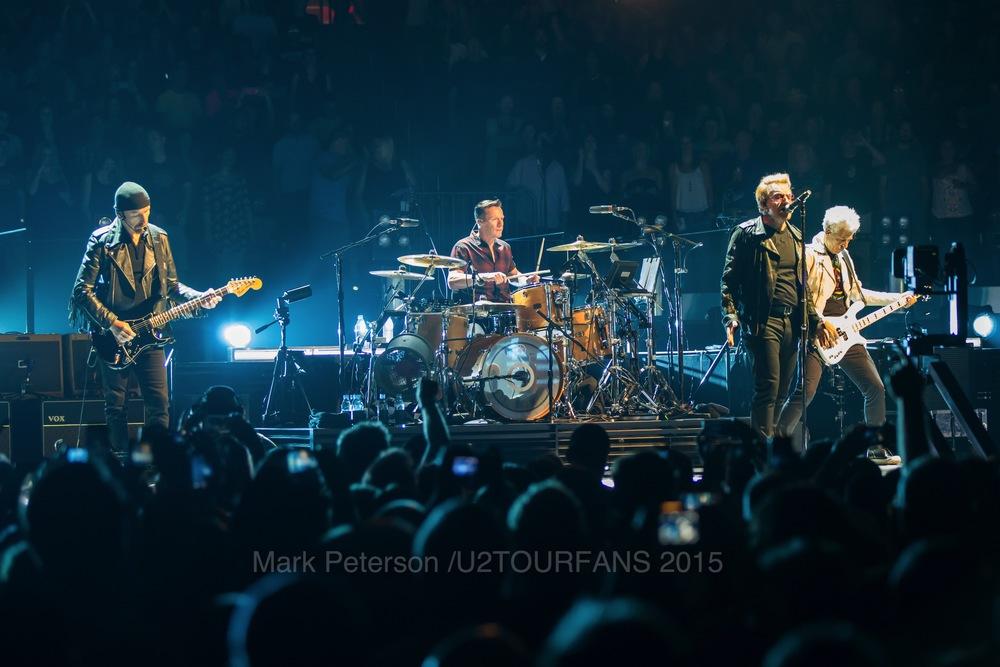 U2 NYC Show 2-4U2TOURFANSW.jpg