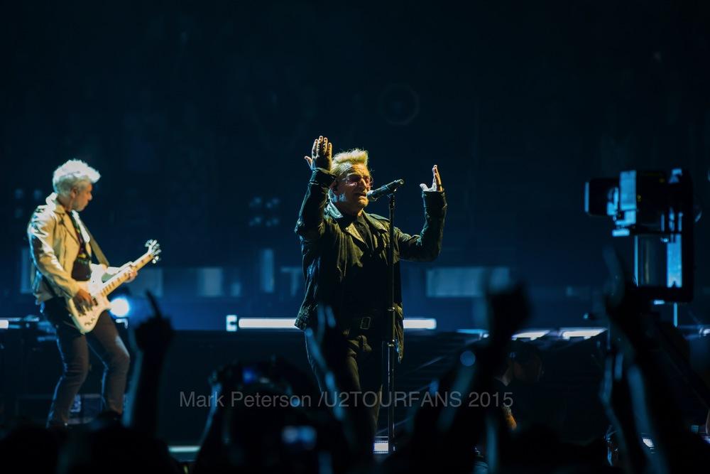 U2 NYC Show 2-7U2TOURFANSW.jpg