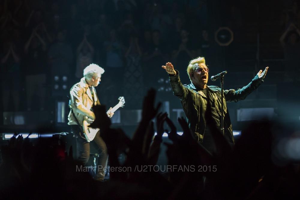 U2 NYC Show 2-10U2TOURFANSW.jpg