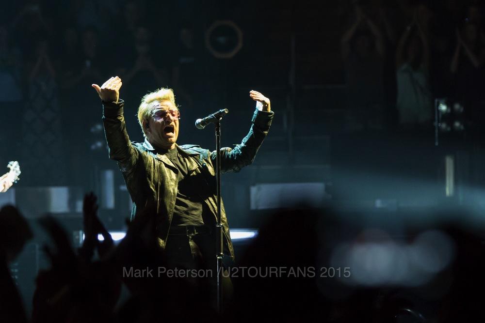 U2 NYC Show 2-11U2TOURFANSW.jpg