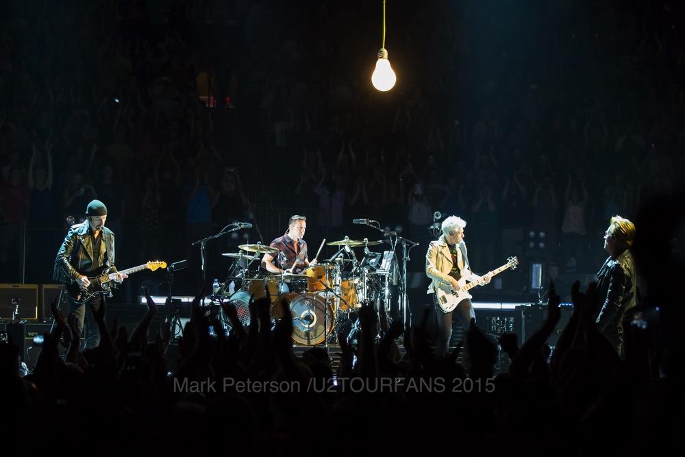 U2 NYC Show 2-13U2TOURFANSW.jpg