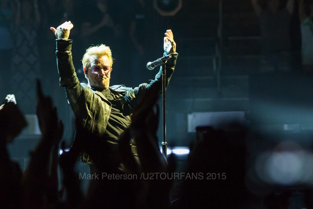 U2 NYC Show 2-12U2TOURFANSW.jpg