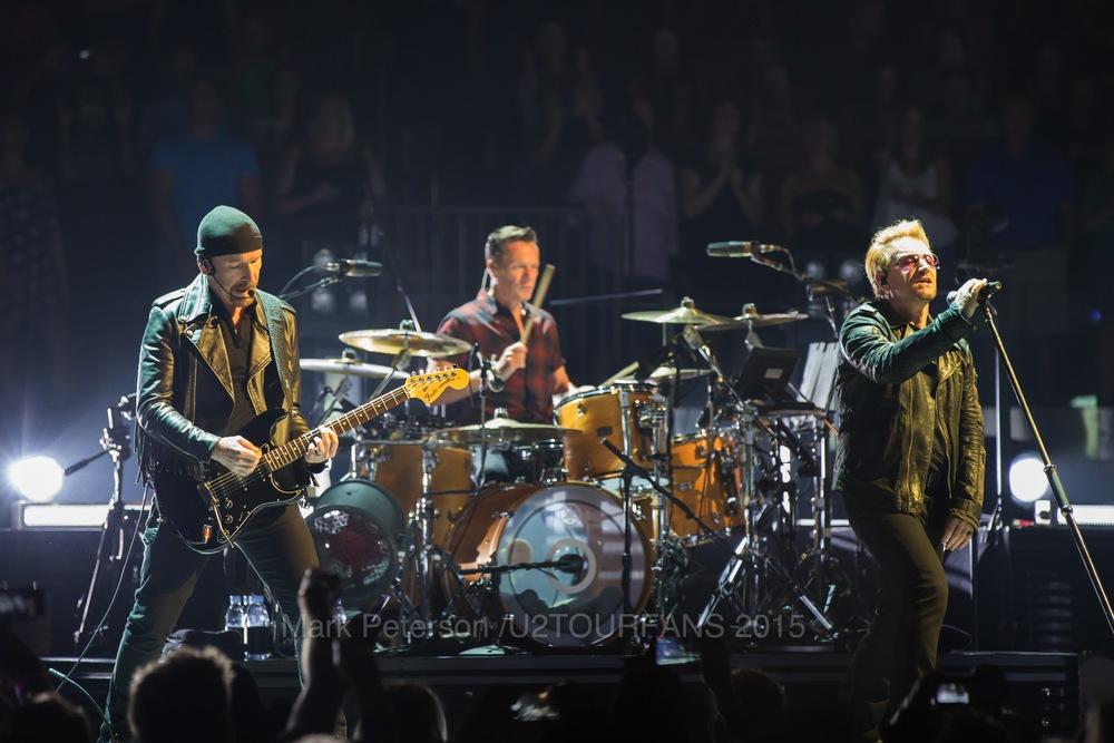 U2 NYC Show 2-16U2TOURFANSW.jpg