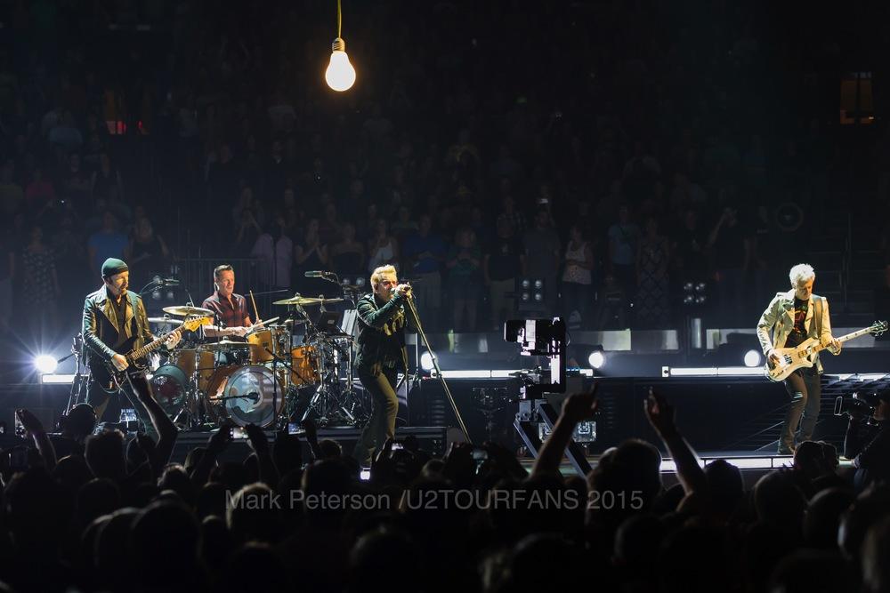 U2 NYC Show 2-17U2TOURFANSW.jpg
