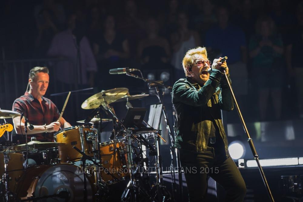 U2 NYC Show 2-19U2TOURFANSW.jpg