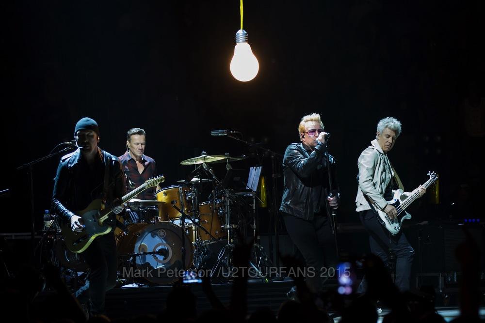 U2 NYC Show 2-21U2TOURFANSW.jpg