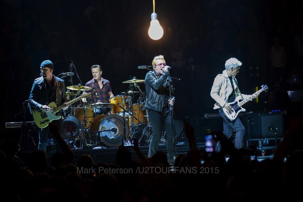 U2 NYC Show 2-22U2TOURFANSW.jpg