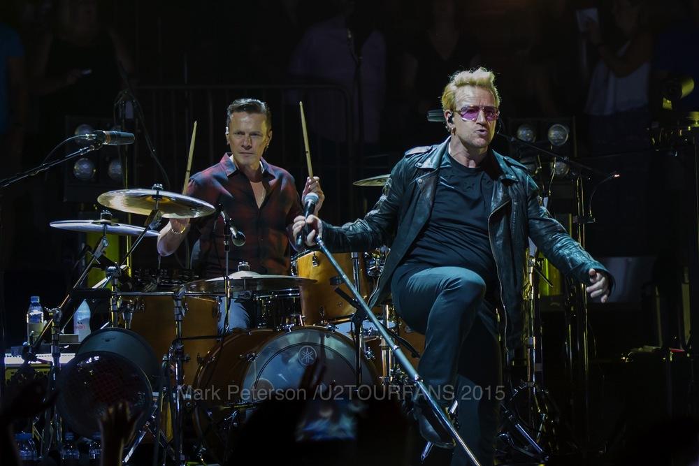 U2 NYC Show 2-23U2TOURFANSW.jpg