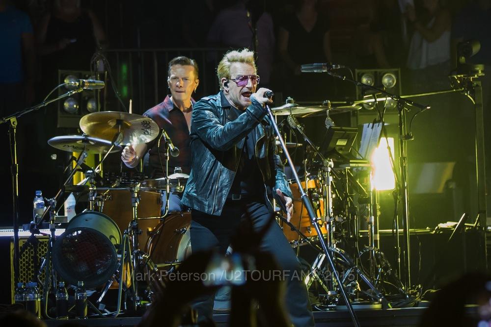 U2 NYC Show 2-24U2TOURFANSW.jpg