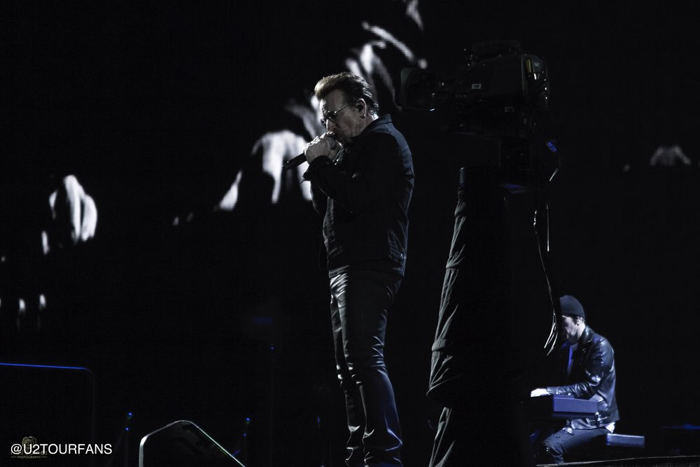 Bono / U2 / Neil Barnes / U2TOURFANS