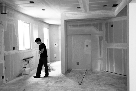 Jason-on-site-Mission-Viejo-kitchen_BW_550x367.jpg