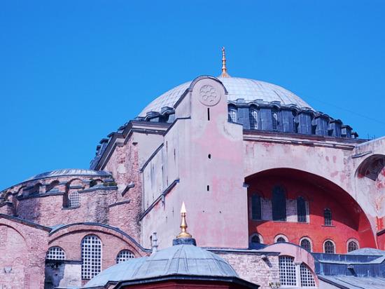 Turkey-Istanbul_hagia-sophia-dome_600x450.jpg
