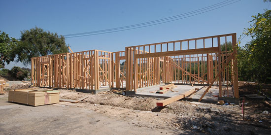 custom-residence-OC-construction-550x275.jpg