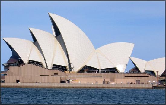 lauren-moss-sydney-opera-house-550x350.jpg