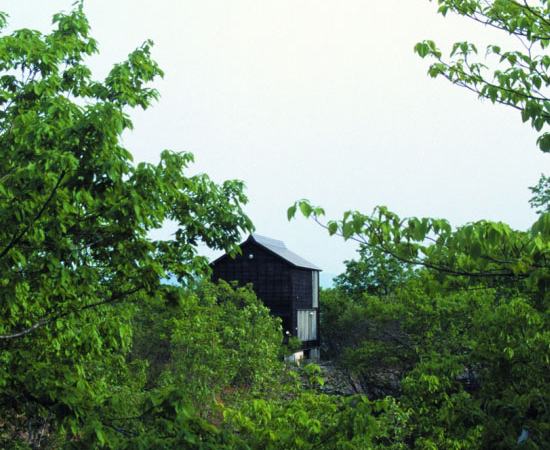 tsumari-cottage-exterior-spring-550x450.jpg