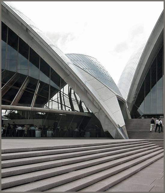 opera house / approach