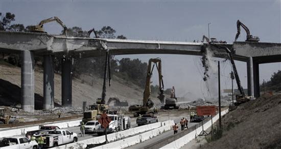 mulholland-demolition-550px.jpg