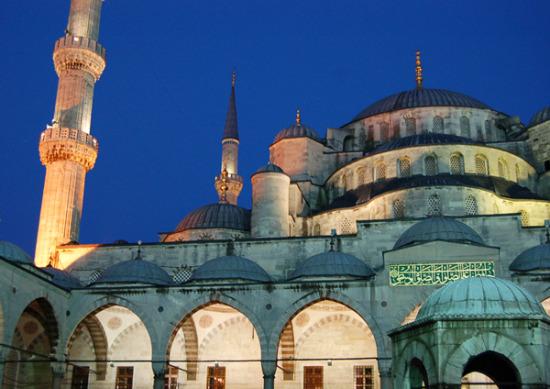 Turkey-Istanbul-HagiaSophia-night_600x425.jpg