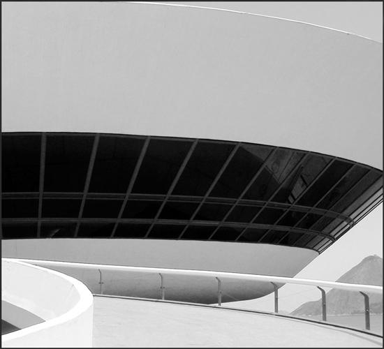 Niteroi-Niemeyer-Brazil_Border_550.jpg