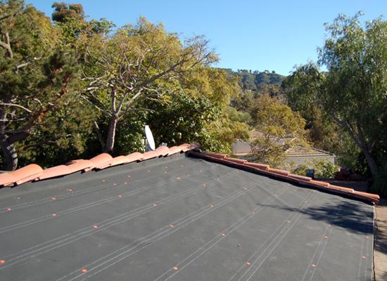 MYD-studio-solar-panel-residential-installation-membrane-550x400.jpg
