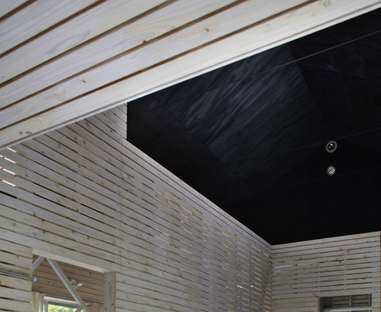 tsumari_cottage_interior-ceiling-wood-550x450.jpg