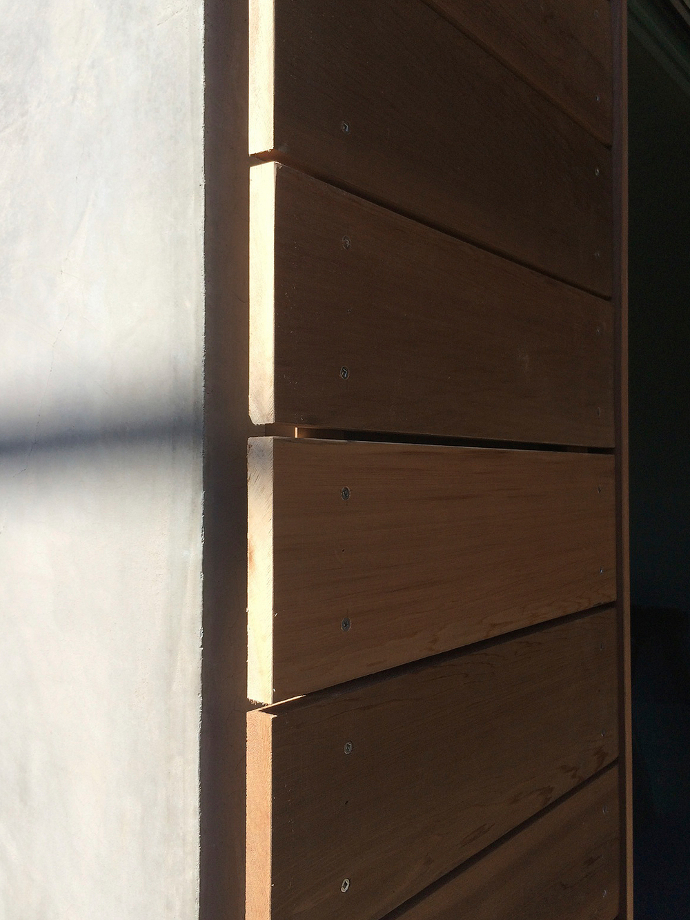 cedar siding in san clemente       myd blog    moss yaw design studio