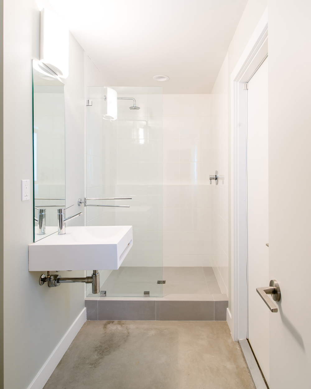 villa park modern / new minimal bathroom