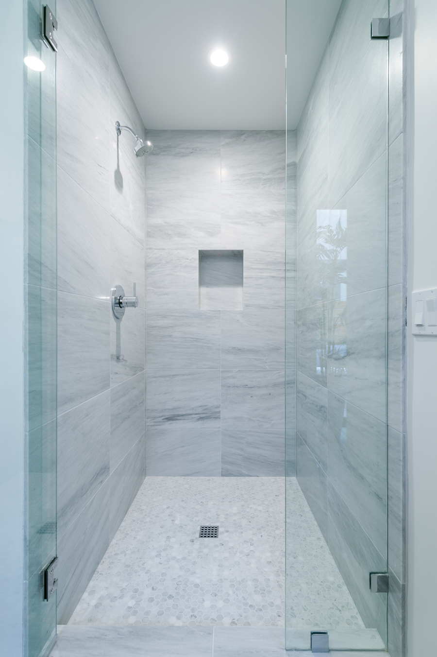marble at shower / secondary bath