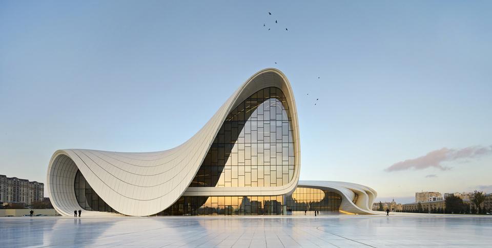 heydar aliyev center / archdaily
