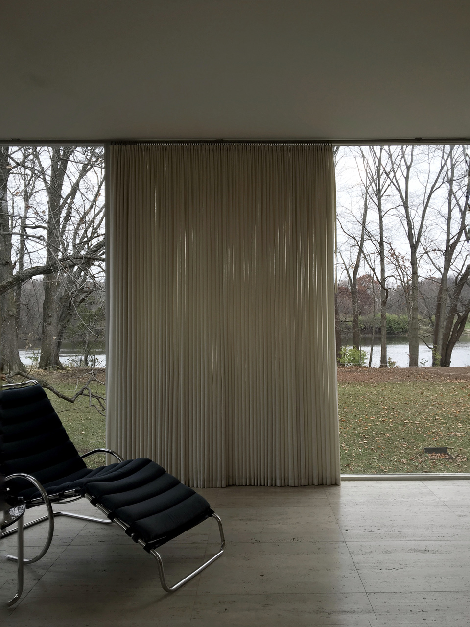 Farnsworth House / interior