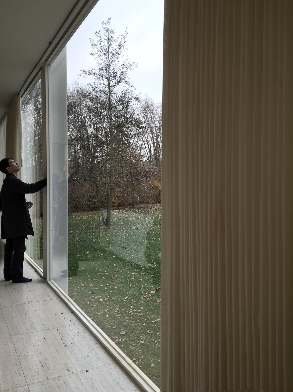 jason at the farnsworth house