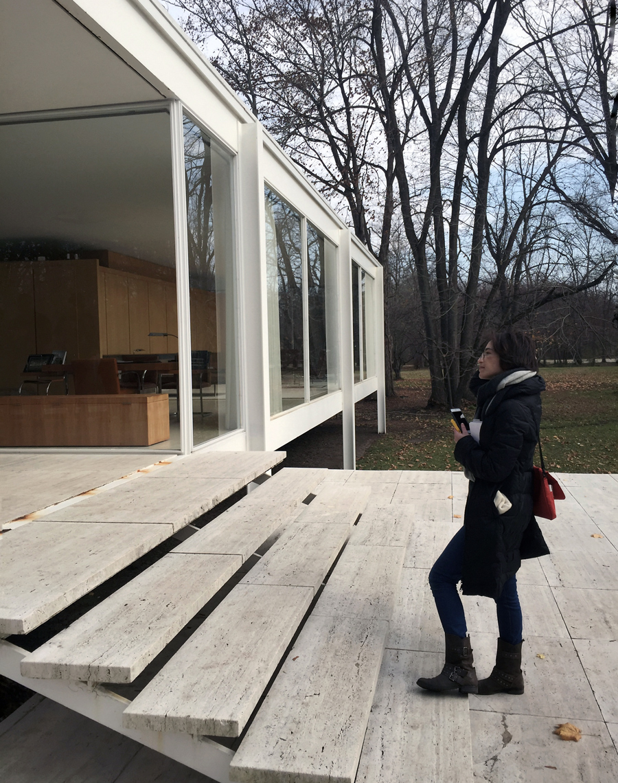lauren at the farnsworth house
