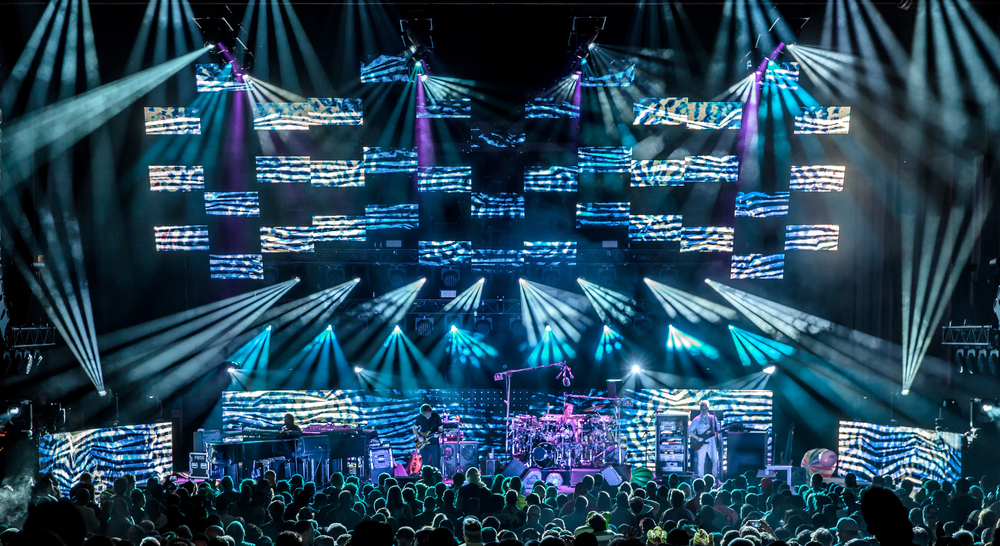 Phish 2016-1205crop.jpg