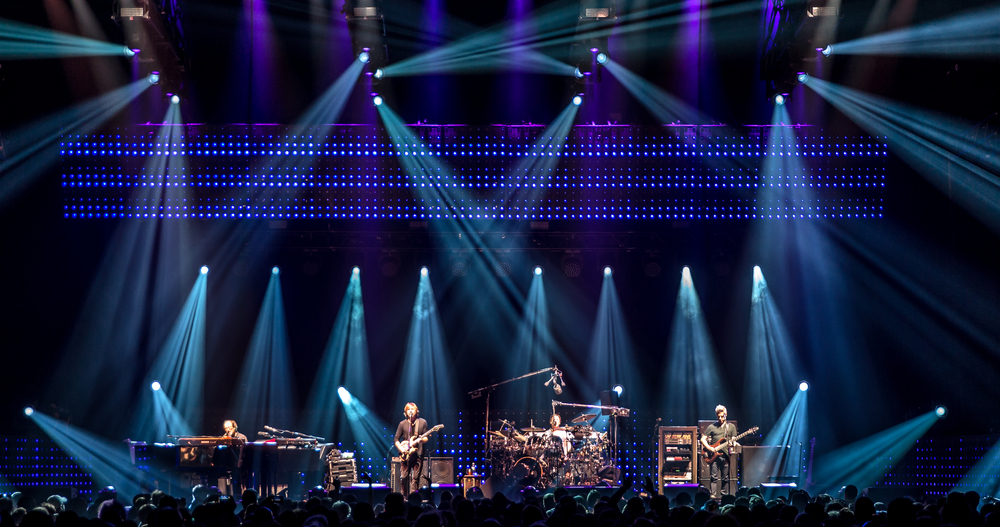 Phish 2016-2042crop.jpg