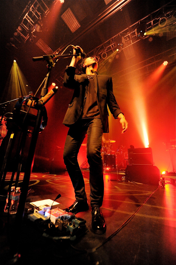 thetempertrap_101312-2.jpg