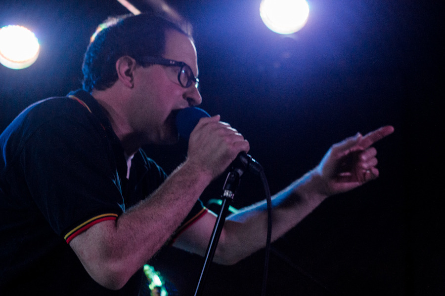 holdsteady_101712-2d7b2.jpg