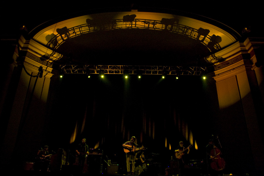 fleet foxes dar 130099f.jpg