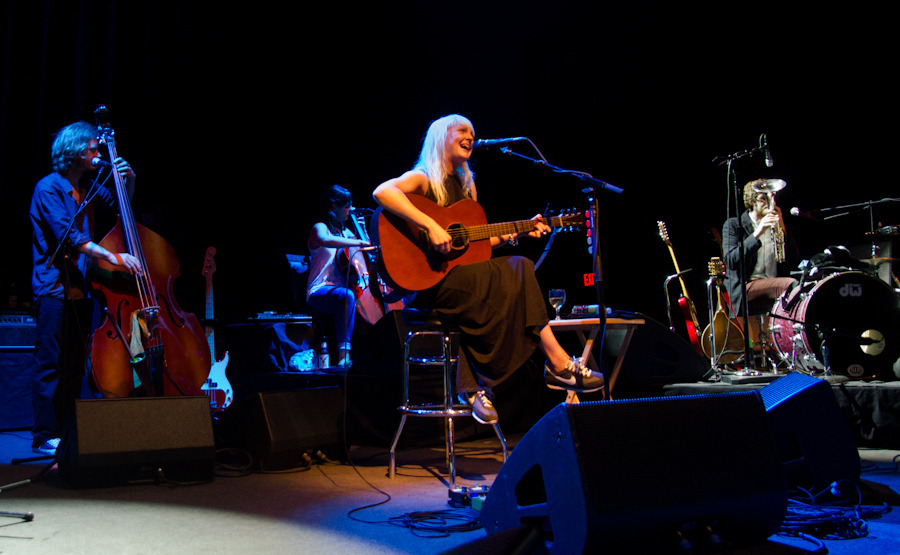 lauramarling_061312-1e351.jpg